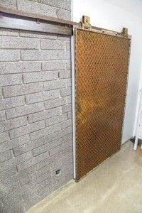Modern Industrial Sliding Freight Elevator Door