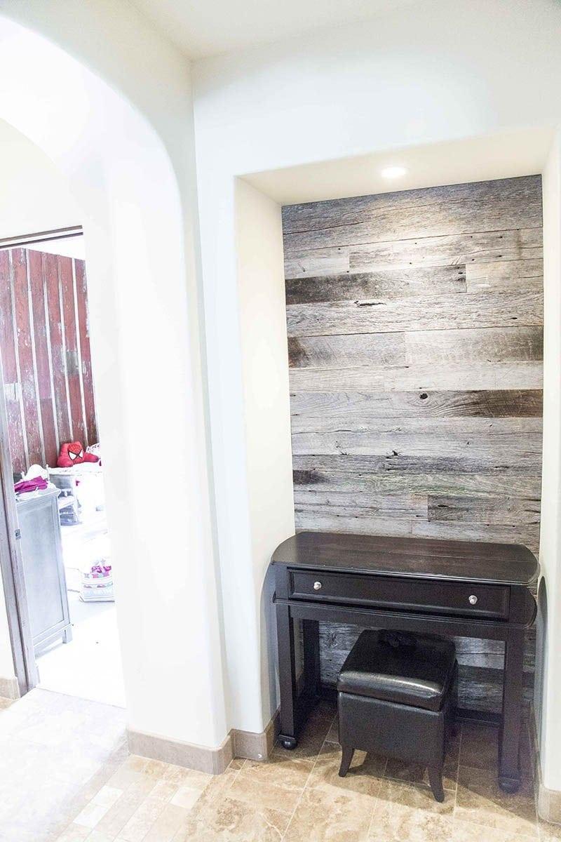 Hallway Nook Accent Wood Wall     Tobacco Barn Grey   Porter Barn Wood