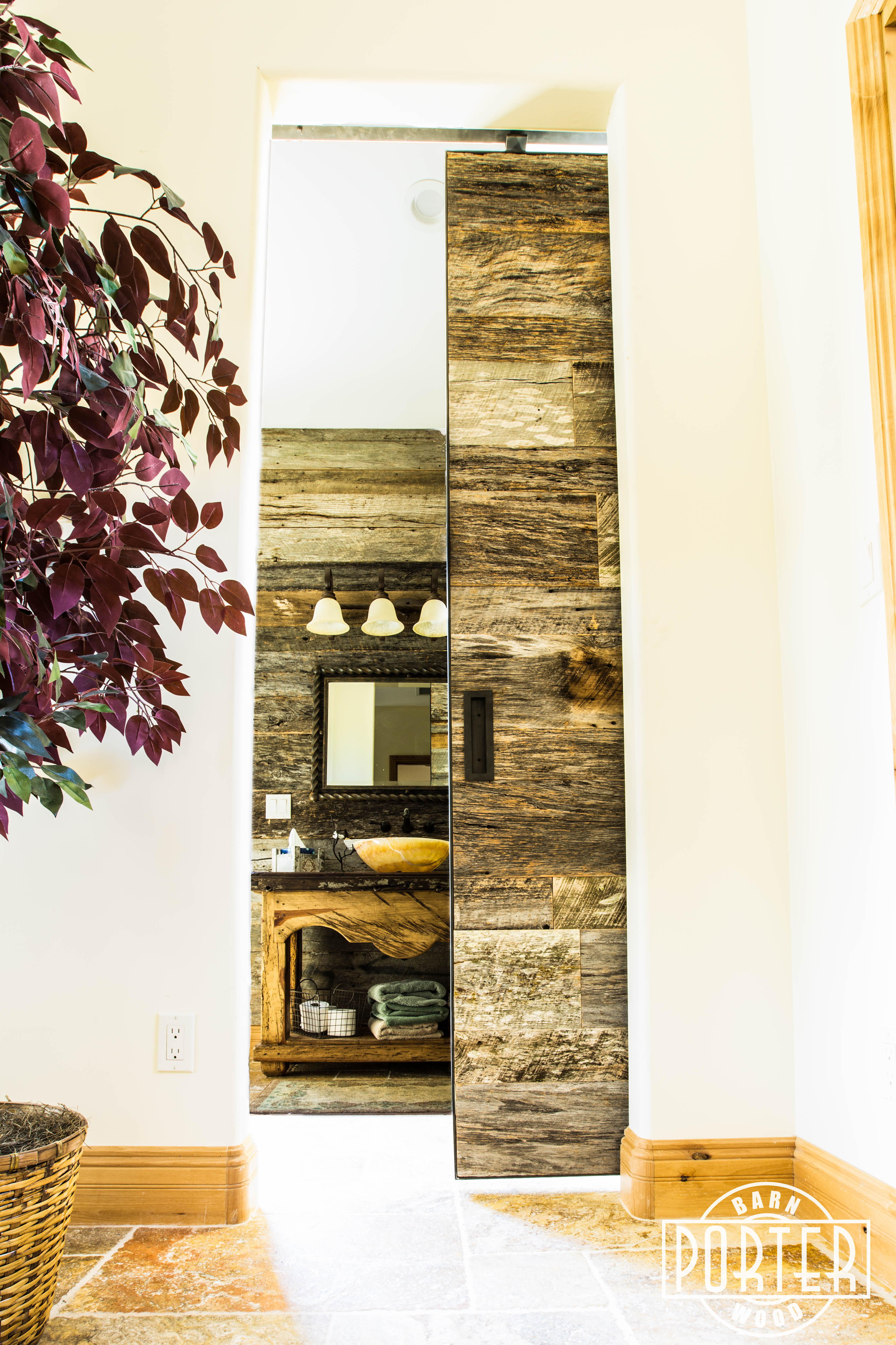 Tobacco Barn Grey Bathroom Wall Amp Door Porter Barn Wood