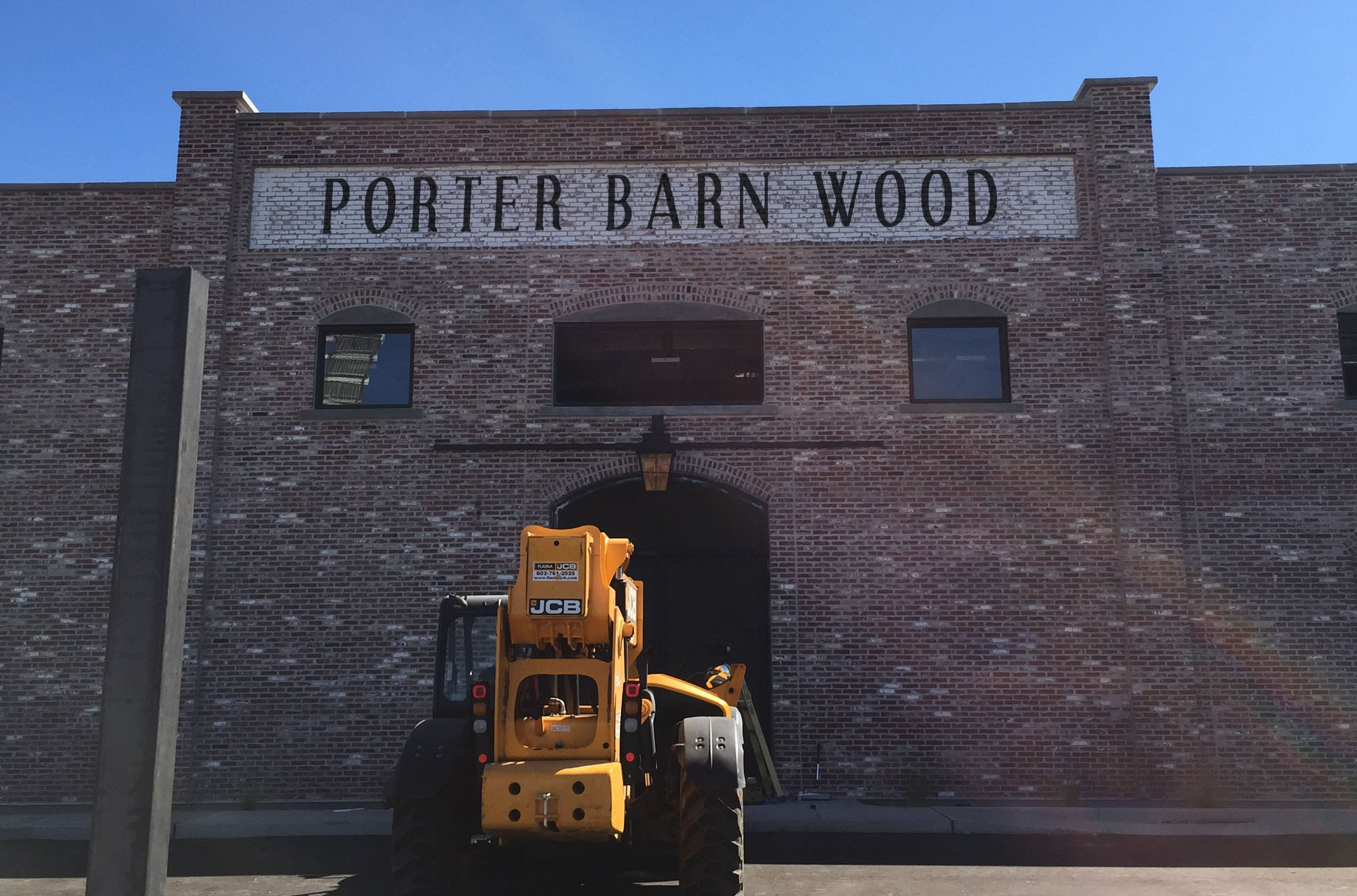 porterbarnwoodfront