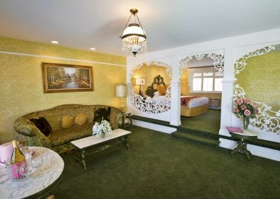 uglyhotelroom2