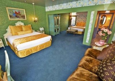 uglyhotelroom3