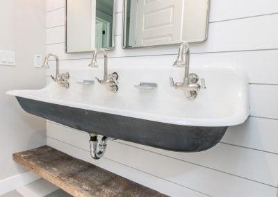 RafterHouse64th-Bath-1