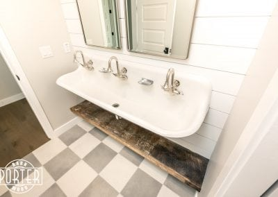 RafterHouse64th-Bath-2
