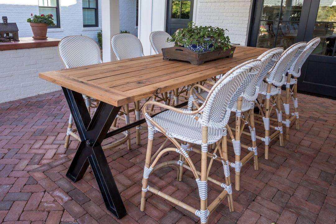 Blomo Outdoor Table