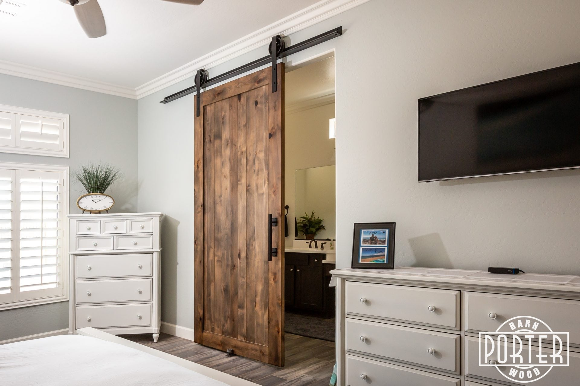 Master Bedroom Sliding Door Hillbrand Porter Barn Wood
