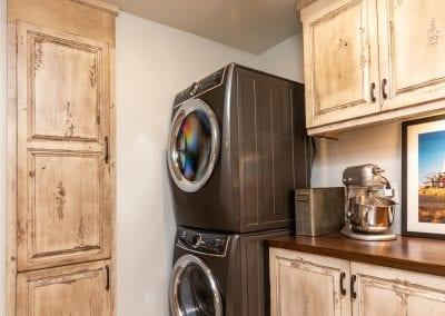 Kamp5310-Pantry&Laundry-1