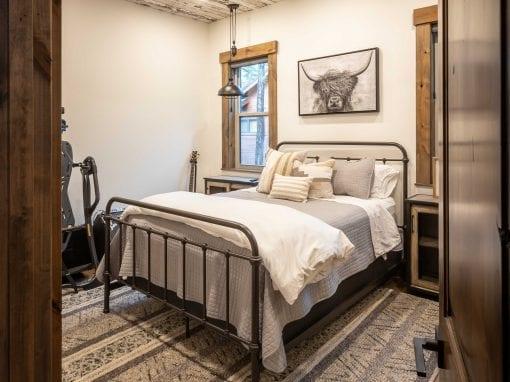 Speckled White Bedroom Ceiling